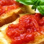 【原田トマトの簡単レシピ】トマトピューレ「ルナロッサ」とクロスティーニ